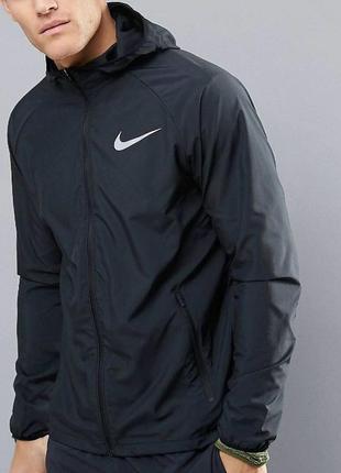 Оригигальная куртка для бега nike