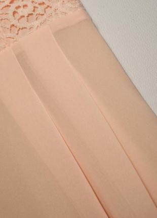 Эксклюзивное воздушное платье с кружевной отделкой4 фото