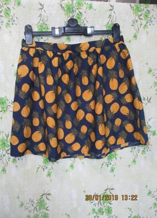 Яркая легкая юбка с ананасами 46-48 размер