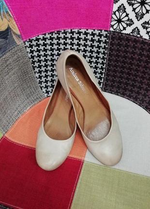Мягенькие итальянские туфли цвета слоновой кости / стелька 26 см