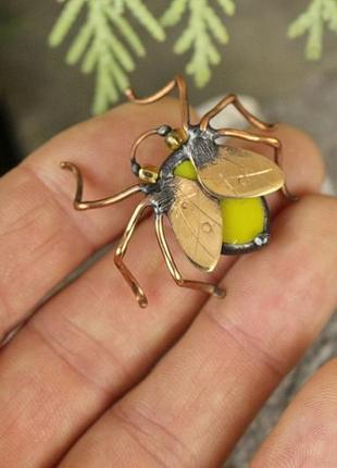 Брошь муха маленькая