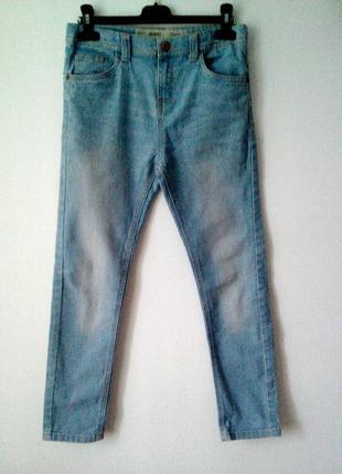 Джинсы. ульта модного цвета джинсы сезона весна-лето 2019 г. для девочки 10-11 лет.
