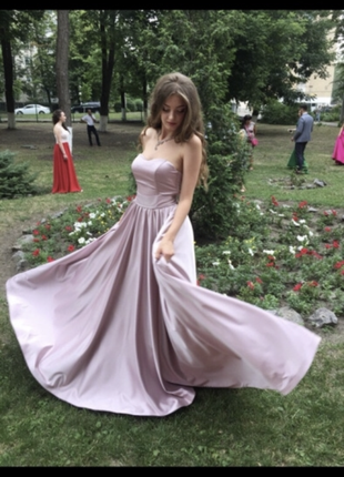 Длинное вечернее выпускное платье на выпускной корсет