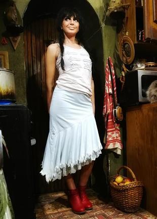 Джинсовая юбка стрейчевая с рюшами миди посадка высокая на талии