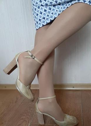 Туфли ostrich 39 р