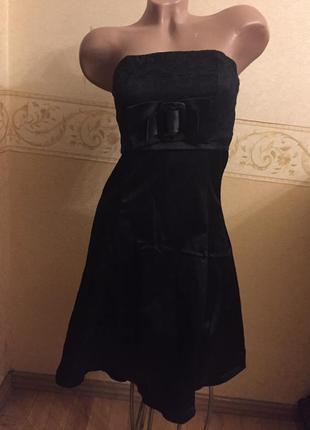 Красивое черное платье с бантом