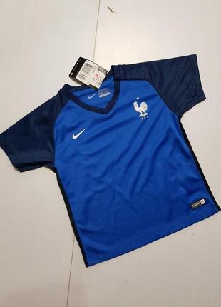 Спортивная футболка на 2-2,5 лет