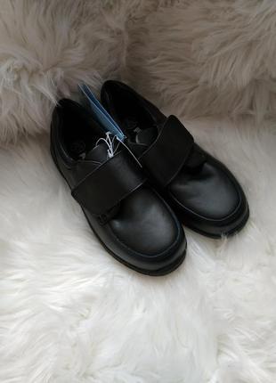 Кроссовки туфли ботинки чорний 33р pepperts
