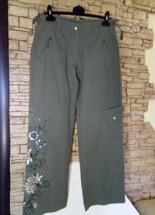 Котоновые широкие брюки-кюлоты цвета оливы,с вышивкой и заклепками,46-48 размер