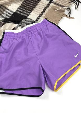 Женские спортивные беговые шорты nike dri-fit running original s короткие