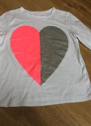 Симпатичная кофточка с принтом сердце