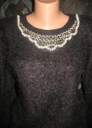 Красивый свитер травка с украшением  размер 12