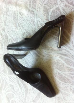 Nursace оригинал шикарные кожаные босоножки/туфли закрытый носок_38-38.5_италия