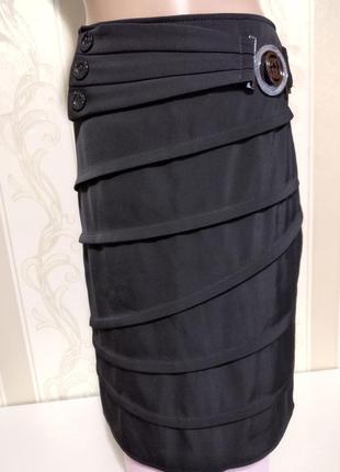 Черная юбка карандаш на подкладке.