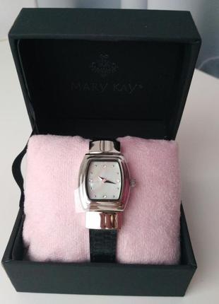 Женские часы с двухсторонним ремешком мэри кэй