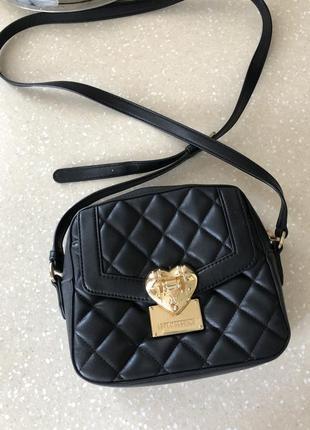 Фирменная сумка moschino
