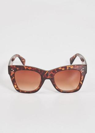 10-1 шикарные солнцезащитные очки sinsay