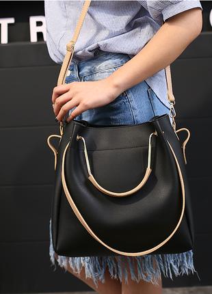 Черная сумка с металлическими ручками и клатчем из экокожи!