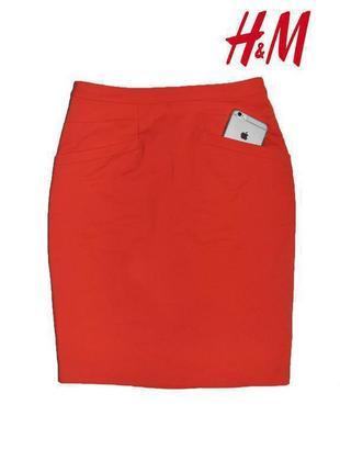 Ярко красная юбка карандаш с запахом миди