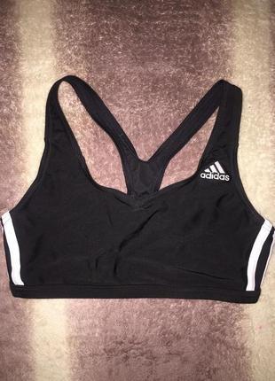 Класный спортивный топ  adidas (оригинал) s\m черное бра для фитнеса крутая спинка
