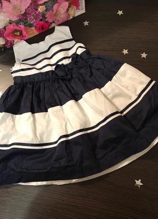 Шикарное платье от carters