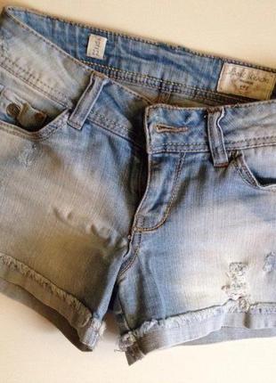 Новые шорты pull&bear