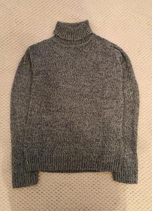 Тёплый свитер с воротником