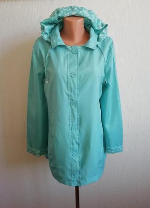 Бирюзовая куртка-ветровка с капюшоном anne de lanсay