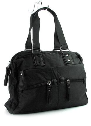 Дорожная спортивная сумка черная текстильная на плечо