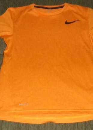 Яркая футболка nike на мальчика 12-13 лет /рост 147-158 см для тренировок