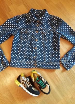 Стильный джинсовый пиджак debenhams в сердечках размер 10, на s