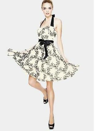 Неотразимое вечернее платье с вышивкой