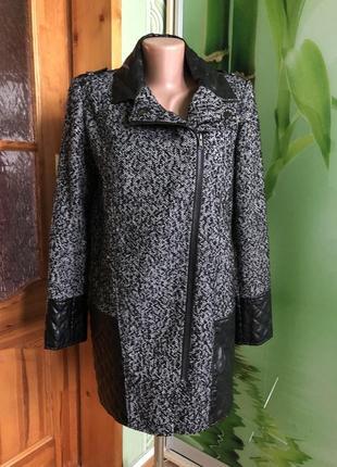 Пальто демисезонное с кожаными вставками