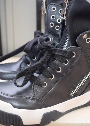 Крутые кожаные ботинки италия studio р.37 23,5-24 см демисезонные