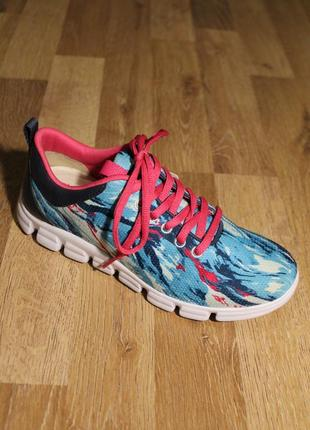 Кросівки tamaris кроссовки