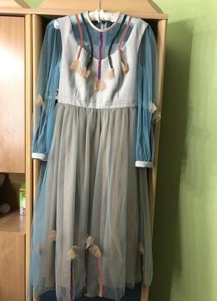 Стильне плаття на випускний