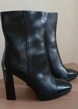 Супер классные ботинки 40 размер