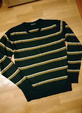 Мужскойй свитерок полосатый