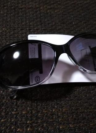 Женские очки солнцезащитные, новые, фирма c&a