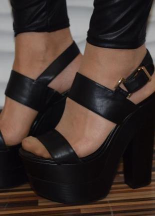 Стильные кожаные босоножки topshop р.39 25 см высокая подошва сандали