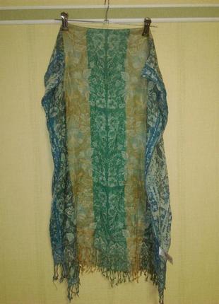 Красивый шарф палантин из вискозы