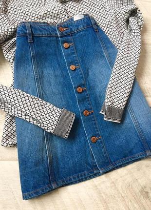 Джинсовая юбка трапеция с пуговицами высокая посадка