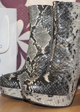 Нереальной красоты ботинки, ботильоны из кожи рептилии 35-36 разм шикарная вещь