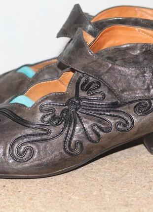 Кожаные туфли think! шикарная обувь из италии 40-41