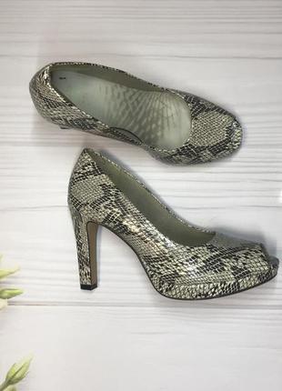 Трендові туфлі туфли босоніжки  з відкритим носком