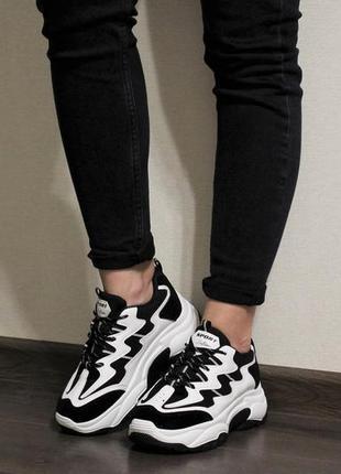 Хит 2019! модные женские черно-белые кроссовки (крипперы) на толстой подошве2