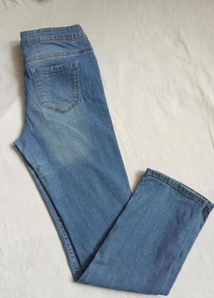 Классные стильные  джинсы жен зауженные раз m(46)
