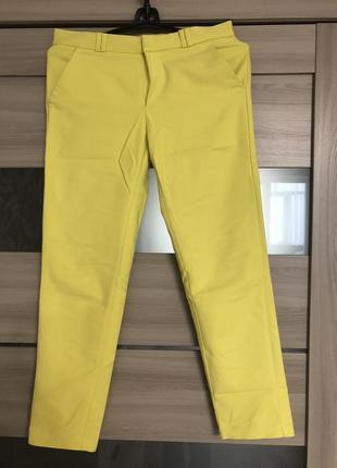 Красивые жёлтые брюки от mango