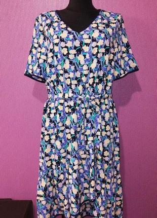 Новое платье на запах в цветочный принт, от бренда tu.