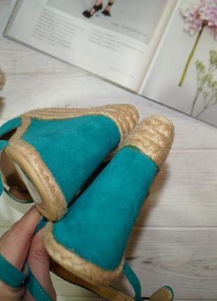 Dorothy perkins! красивые велюровые босоножки на удобной платформе4 фото